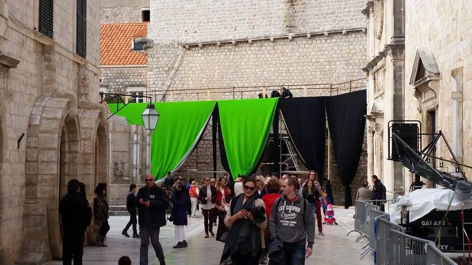 Impressive green screens next to Onofrio's fountain, photo Domagoj Pandzic