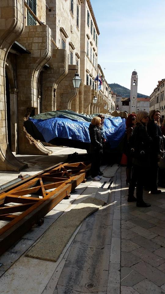 Crashed landspeeder on Dubrovnik Main Street, photo Domagoj Pandzic