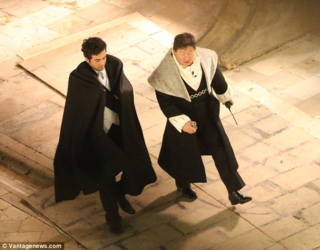 Costumes from Dubrovnik filming are quite intriguing, photo DailyMail
