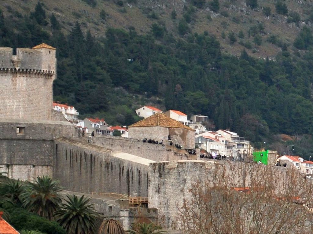 Film crew on top of Dubrovnik City Walls, photo starwarsdubrovnik.com