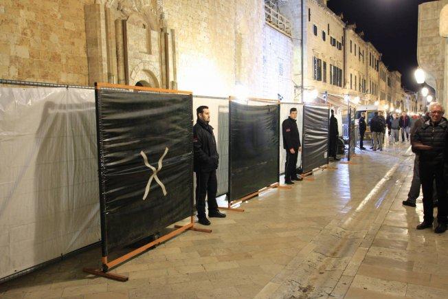 Set is being guarded vigilantly, photo Hrvoje Batinic