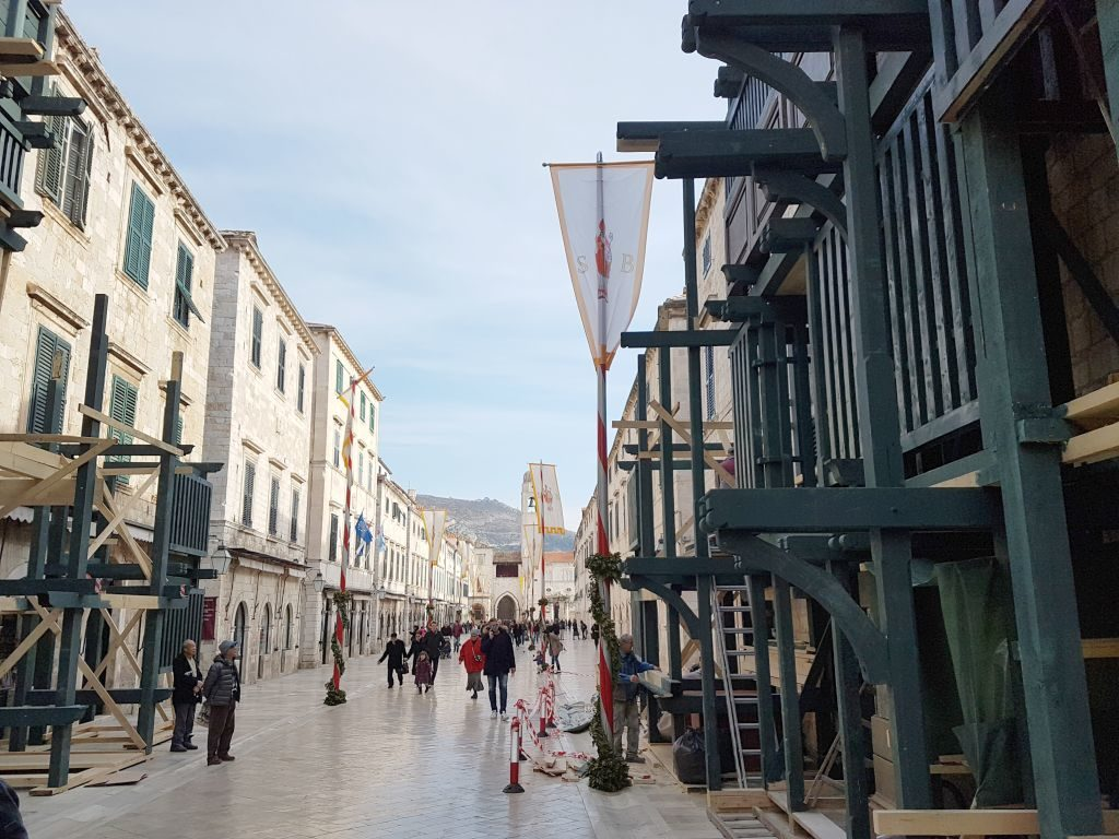 Robin Hood set on Dubrovnik's Main Street
