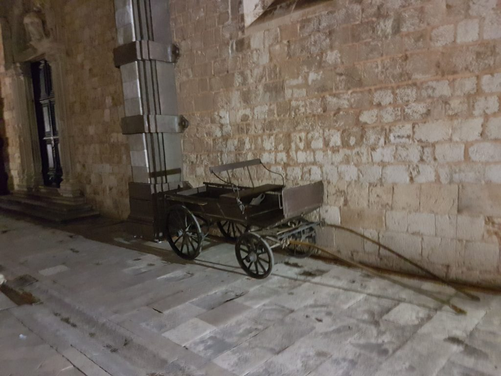 Robin Hood Carriage next to Franciscan Monastery in Dubrovnik